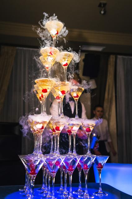 горка шампанского на дне рождения ресторан авалон