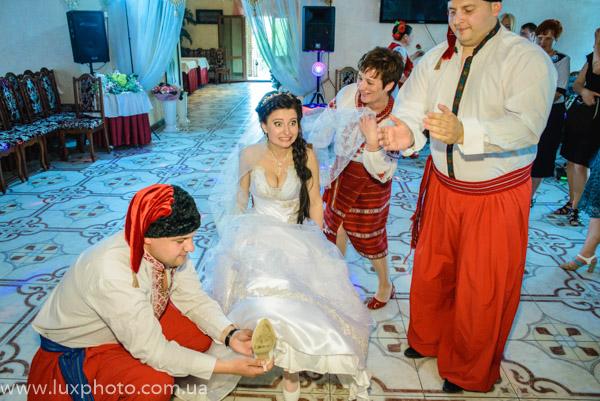 как крадут туфлю у невесты