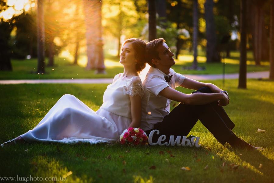 свадебная фотография на закате