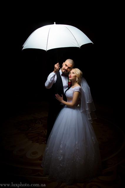 свадебные фотографии с зонтиком